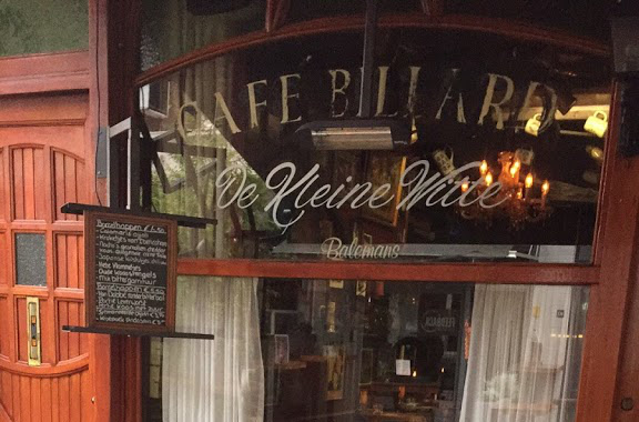 Café de kleine witte